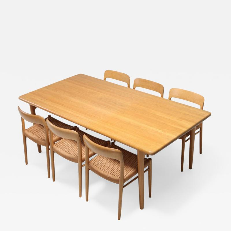 Niels Otto M ller Scandinavian Modern Dining Set in Oak by N 0 M ller for J L Moller 1970s