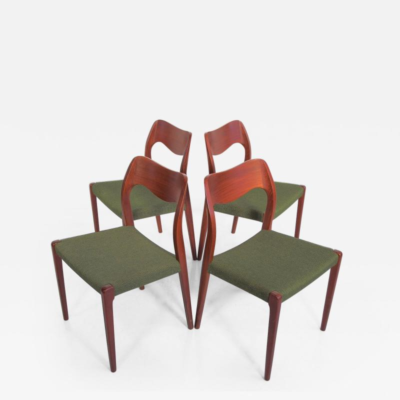 Niels Otto M ller Set of Four Niels O Moller Solid Teak Chairs Model 71