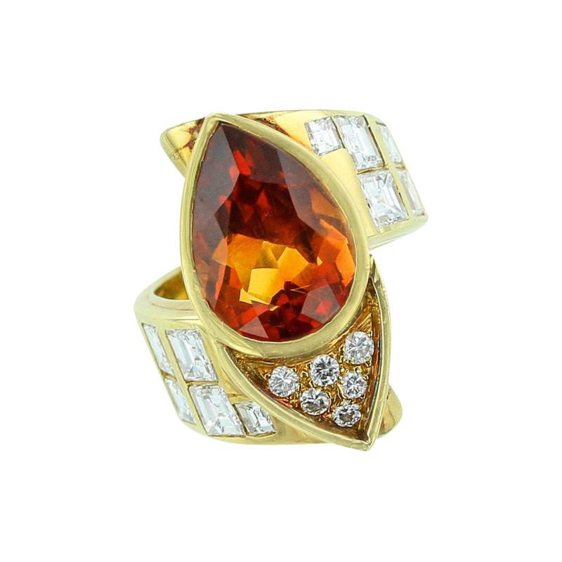PEAR SHAPED CITRINE 18K YELLOW GOLD BYPASS STYLE RING