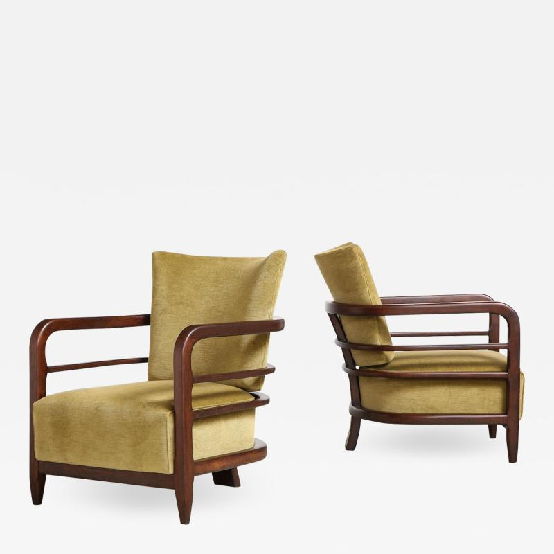 Pair of 3 Leg Lounge Chairs