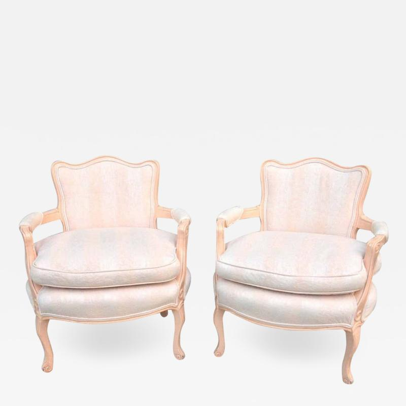 Pair petite Fauteuil Louis XV Chairs