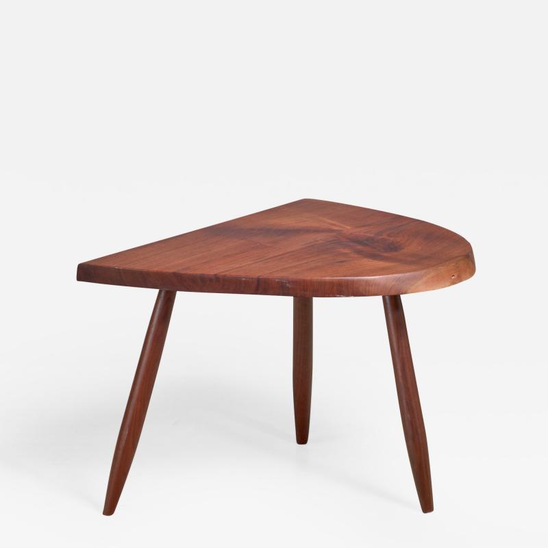 Phillip Lloyd Powell Phillip Lloyd Powell Studio Craft Walnut Side Table USA 1960s