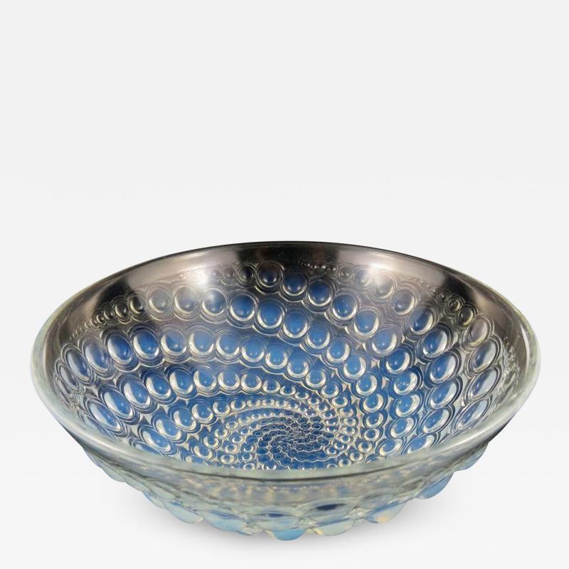 Ren Lalique Lalique Co Rene Lalique Volutes pattern opalescent glass bowl C 1934