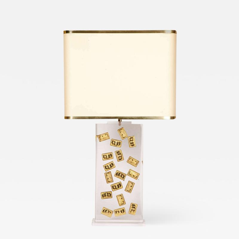 Romeo Paris 1970s table lamp with inclusion in lucite