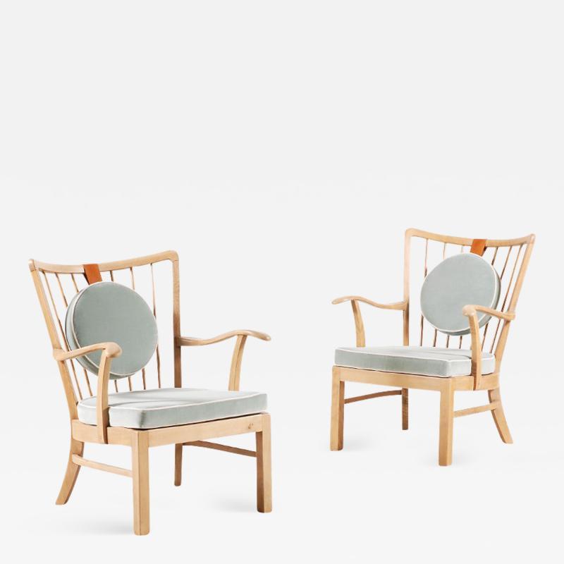 S ren Hansen Pair of S ren Hansen Lounge Chairs for Fritz Hansen 1940s