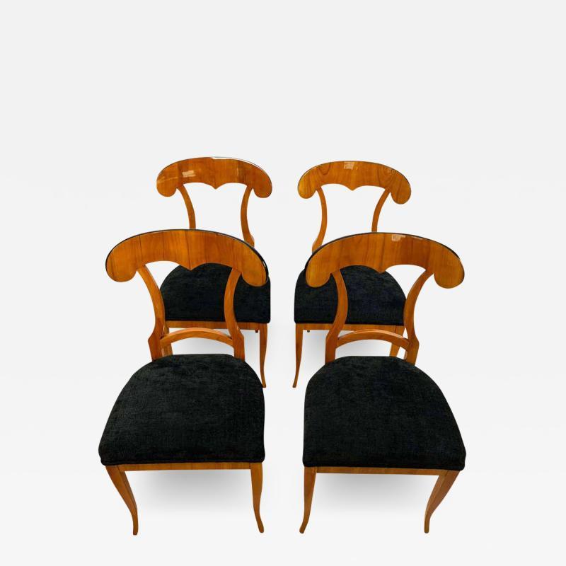 Set of Four Biedermeier Shovel Chairs Cherry Veneer South Germany circa 1820