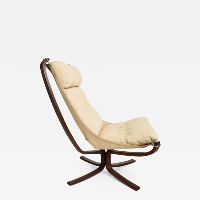 Sigurd Ressell 1970s Tall Falcon Chair Sigurd Ressell for Vatne M bler Ivory Leather NORWAY