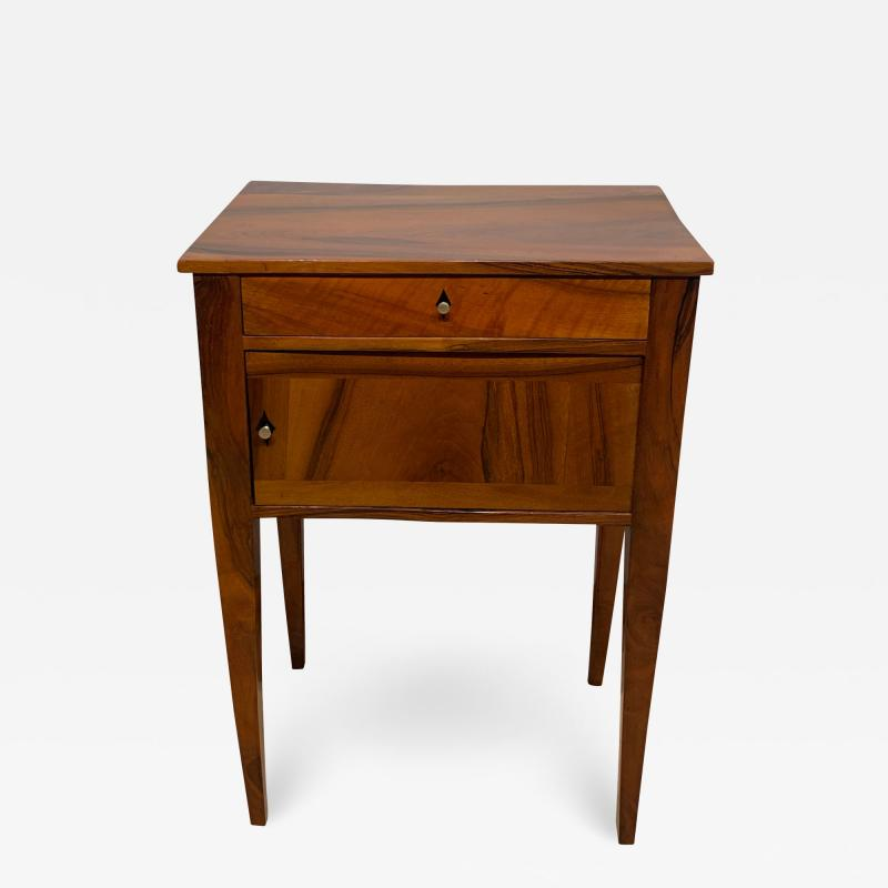 Small furniture Solid Walnut Biedermeier Restauration France circa 1820