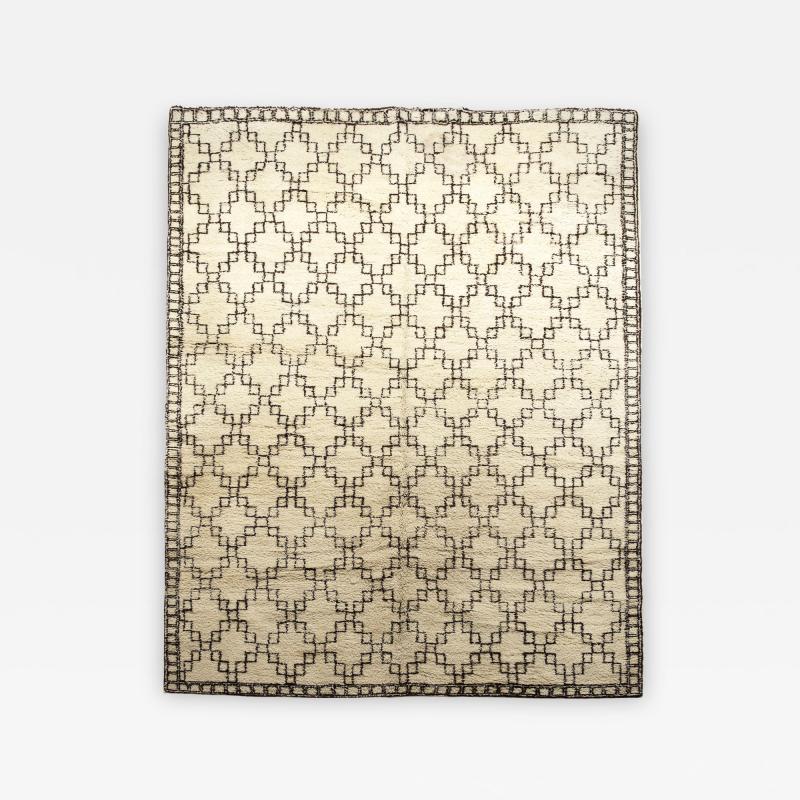 Superlative Deep Pile Swedish Carpet with Airy Geometric Design