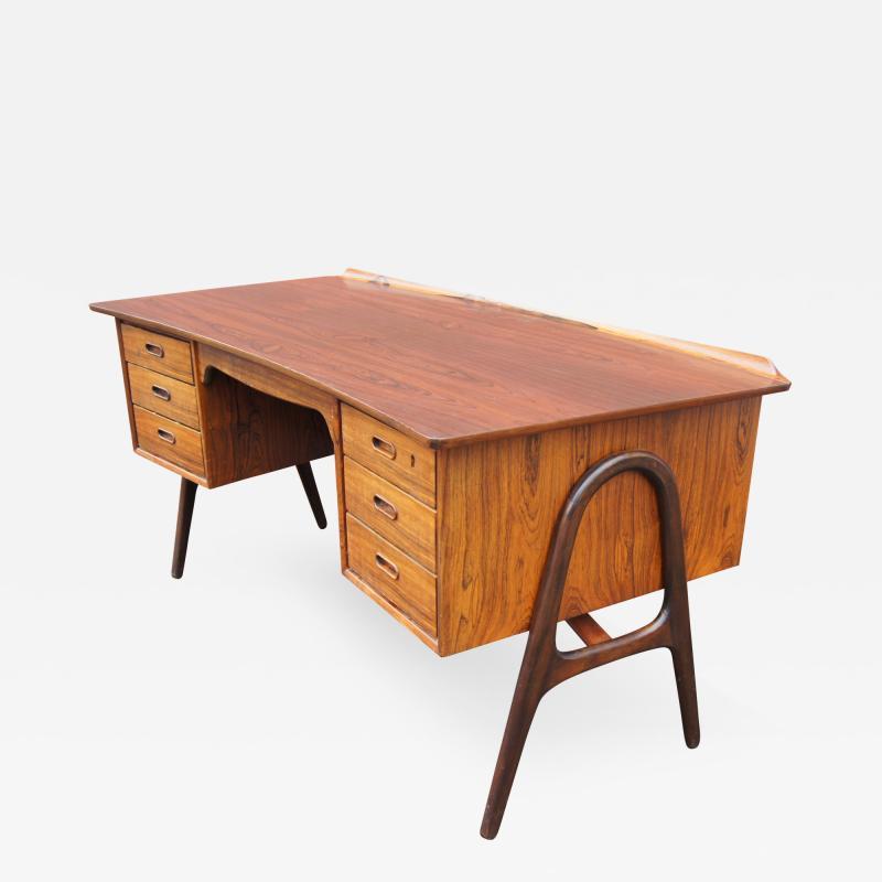 Svend Aage Madsen Rosewood Desk Model SH 180 by Svend Aage Madsen for Sigurd Hansen