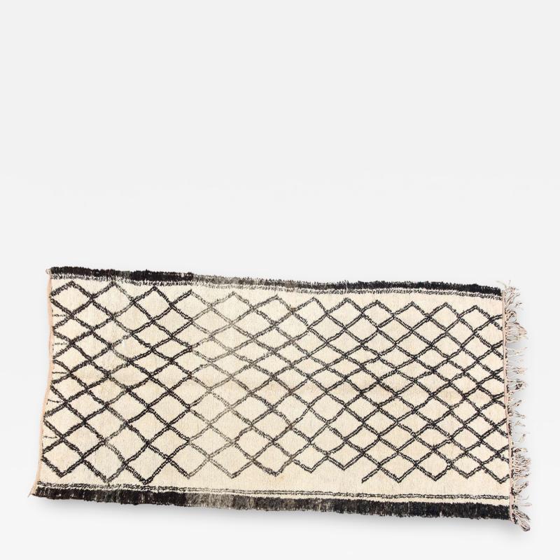 Vintage Moroccan Beni Ouarain of White Rug