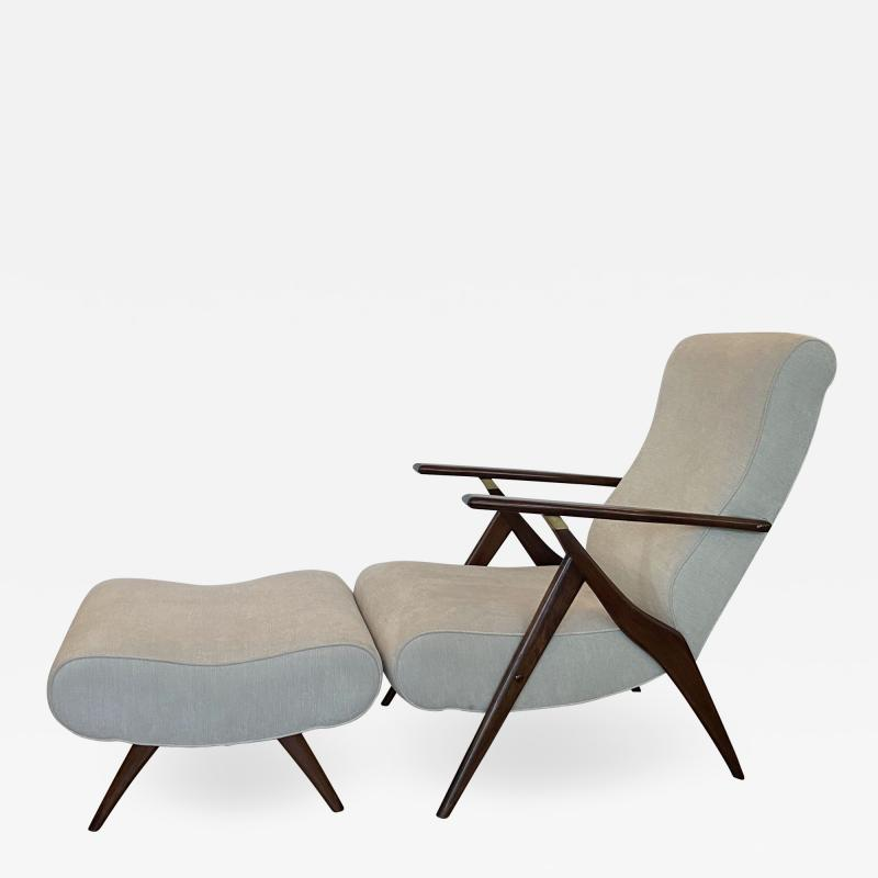 Vittorio Dassi Italian Modern Mahogany and Brass Reclining Arm Chair and Ottoman Dassi