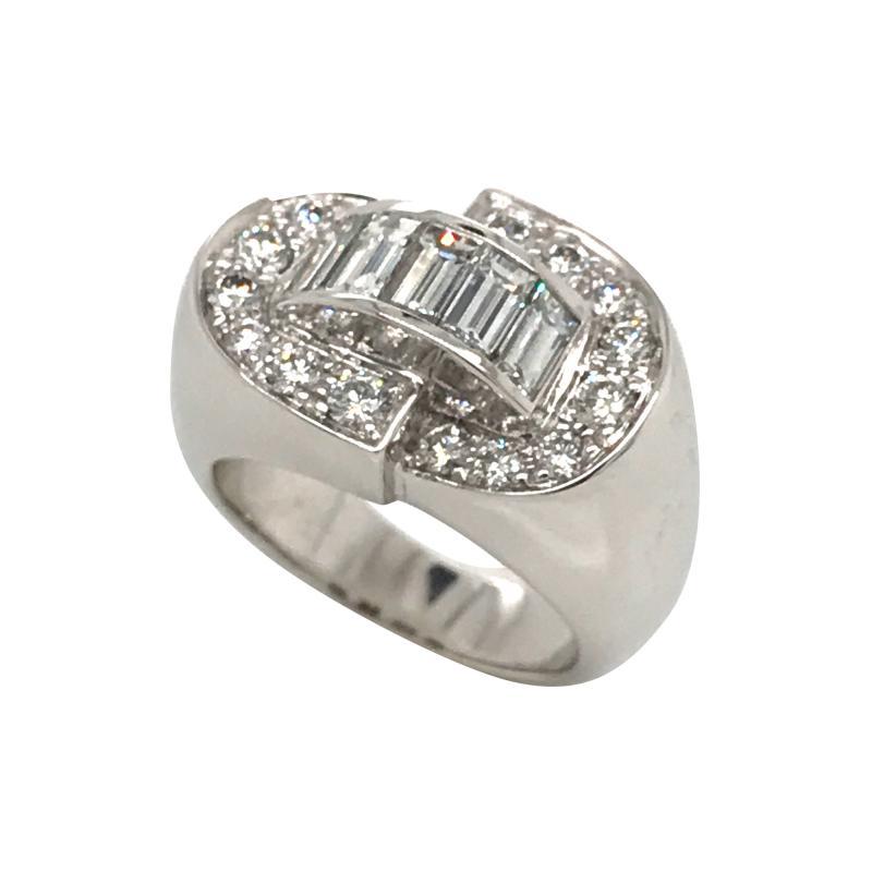 White Diamonds Round et Baguettes Cut on White Gold 18K Ring