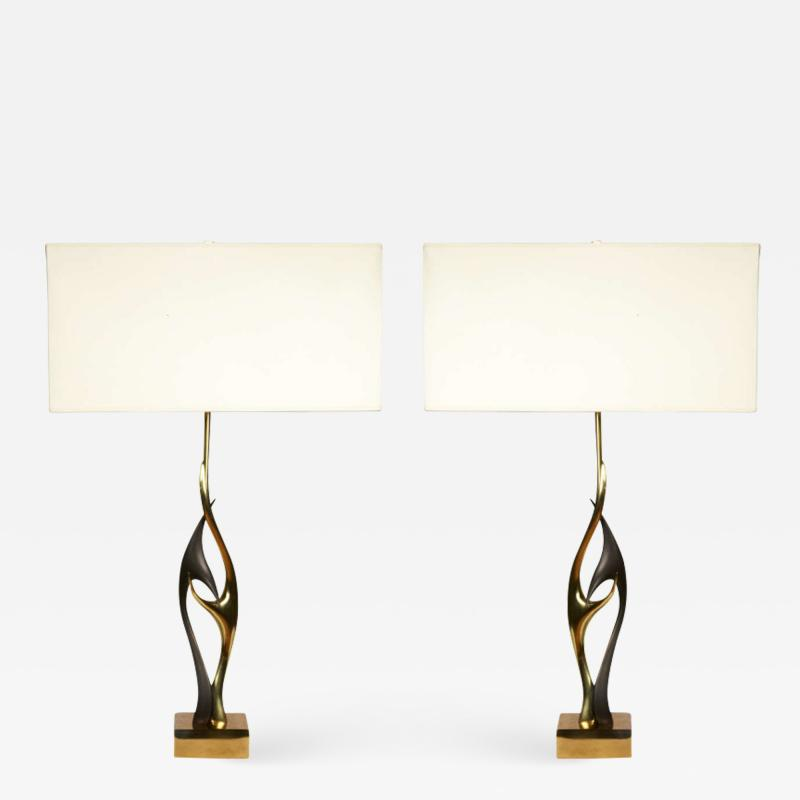 Willy Daro Pair of sculptural bronze lamps
