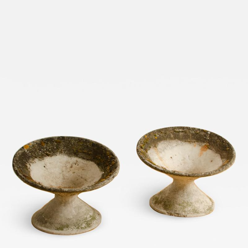 Willy Guhl A pair of Willy Guhl disc form concrete planters circa 1970
