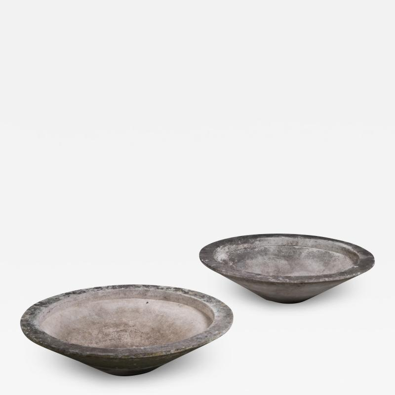 Willy Guhl Pair of large round Eternit outdoor planters by Willy Guhl