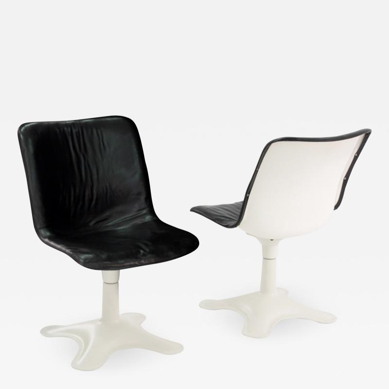 Yrjo Kukkapuro Pair of Leather Side Chairs by Yrjo Kukkapuro