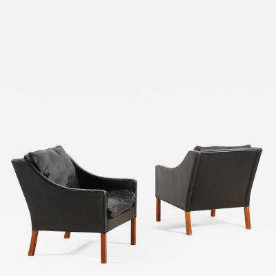 B rge Mogensen Borge Mogensen B rge Mogensen Pair of Black Leather Armchairs Model 2207 for Fredericia