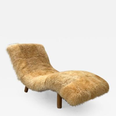Bartolini Furniture Rare Enrico Bartolini Wave Chaise in Natural Icelandic Sheepskin Fur USA 1970