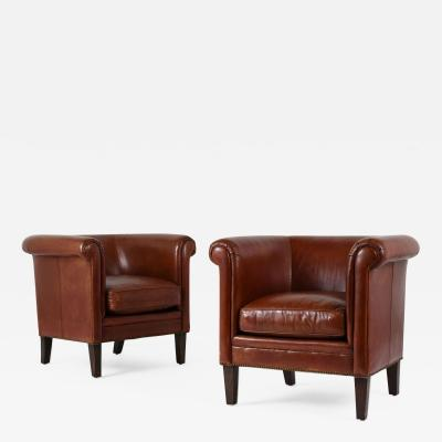 Bernhardt Furniture Company Pair of Regency style Leather Club Chairs by Bernhardt
