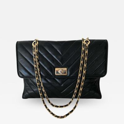 Chanel Pocketbook Fine Quilted Black Leather with Extra Long Chain Classic Chic