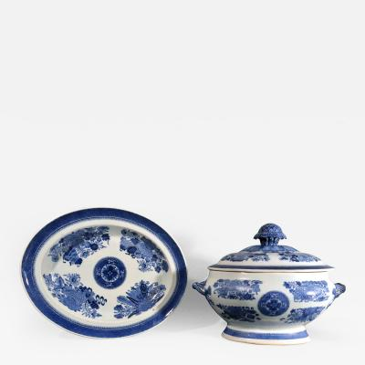 Chinese Porcelain Chinese Export Porcelain Blue Fitzhugh Soup Tureen Cover Stand