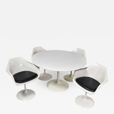Contemporary Shells Tulip style white fiberglass swivel chairs and table by umanoff