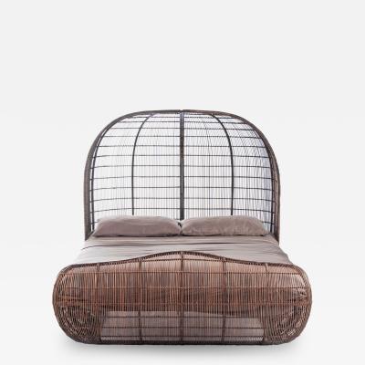 DESIGNLUSH LE VOYAGE BED