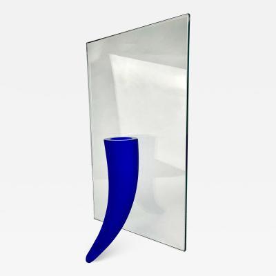 Daum Phillipe Starck Petite tranget Contre un Mur Vase