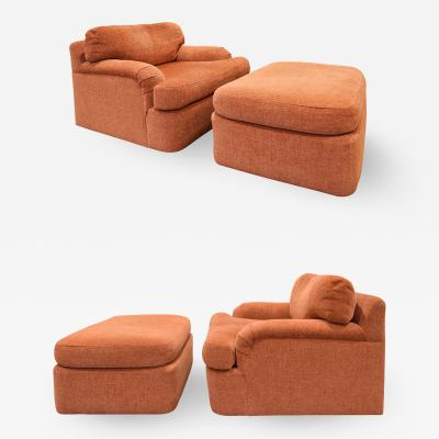 Directional Pair of Large Swiveling Lounge Chairs with Matching Ottomans 1970s