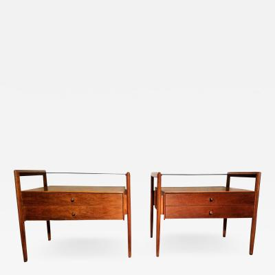 Drexel Drexel Heritage Furniture Pair of Walnut End Tables from the Parallel Line for Drexel 1960s