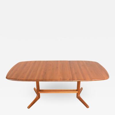 Dyrlund Scandinavian modern teak oval expanding dining table attributed to dyrlund