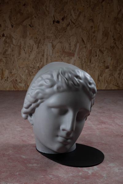 Forma Cemento Betti Stool