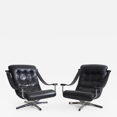 G te M bler N ssj Pair of Black Leather Swivel Chairs by G te M bler