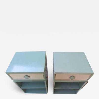 Kittinger Furniture Co Lovely Pair of Kittinger Modern Side Table or Nightstands