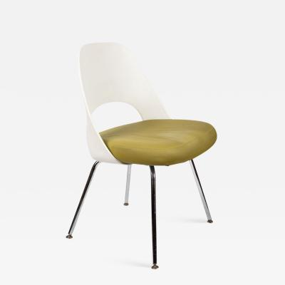 Knoll Saarinen Executive Side Chair with Metal Legs for Knoll