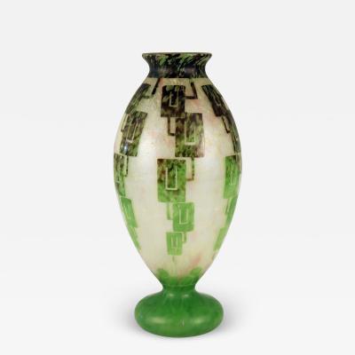 Le Verre Francais Art Deco cameo glass vase by Le Verre Francais