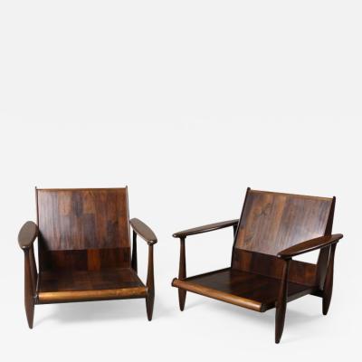 Liceu de Artes e Of cios Mid Century Modern Pair of Armchairs by Liceu de Artes e Of cios Brazil 1960s
