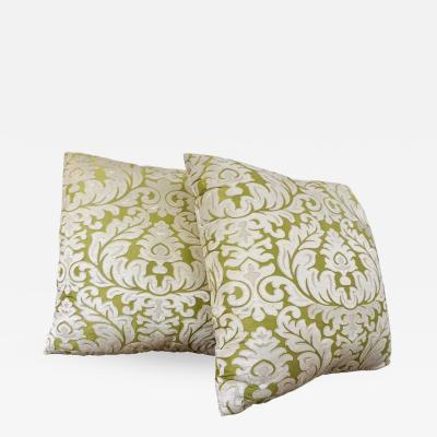 Nobilis Contemporary French Green and Ivory White Damask Velvet Throw Pillows
