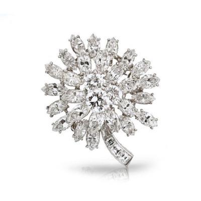 Oscar Heyman Brothers OSCAR HEYMAN CIRCA 1960S PLATINUM 15 CARAT DIAMOND FLOWER BROOCH
