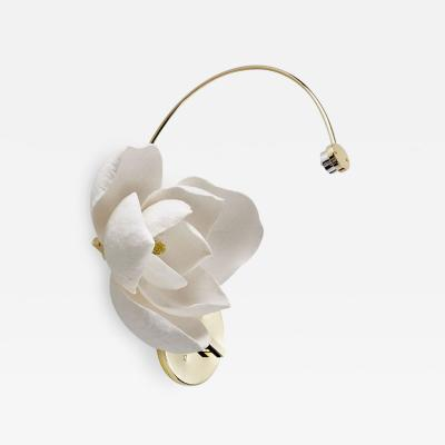 Pelle Lure Sconce