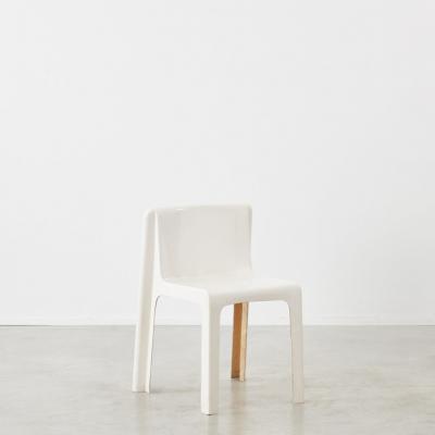 Prisunic Editions Gerard Le Fe fibreglass chair Prisunic Editions France c1970