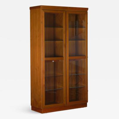 Skovby M belfabrik Danish Mid Century Modern Teak Display Cabinet Bookshelf by Skovby