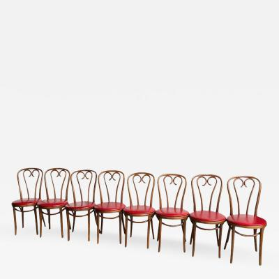 Thonet Set of Eight Mid Century Modern Bentwood Thonet Dining Chairs or Cafe Chairs