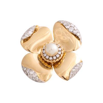 Van Cleef Arpels Gold and Diamond Flower Brooch