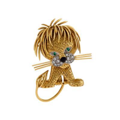 Van Cleef and Arpels Van Cleef Arpels Mid 20th Century Diamond Emerald Enamel and Gold Lion Brooch
