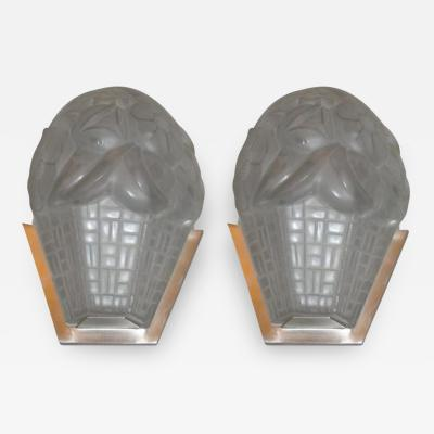 Verrerie d Art Degu Signed French Art Deco Wall Sconces by Degue