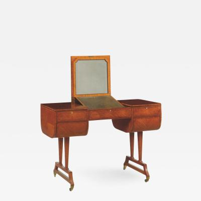 Waring Gillow English Edwardian Dressing or Writing Table by Waring Gillow