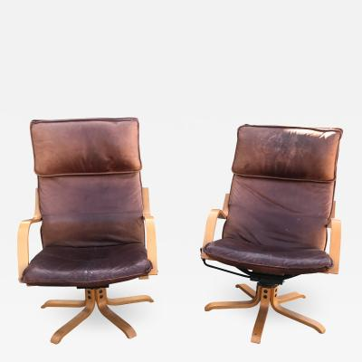 de Sede Italian Swiss Tall Lounge Chairs Aged Leather Blonde Wood Star Base 1960s Italy