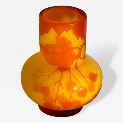 mile Gall Galle French Camero Art Glass Vase 1900s